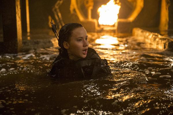 Hlavná hrdinka Hier oživot je podľa kritikov dokonalou ženskou akčnou hrdinkou.