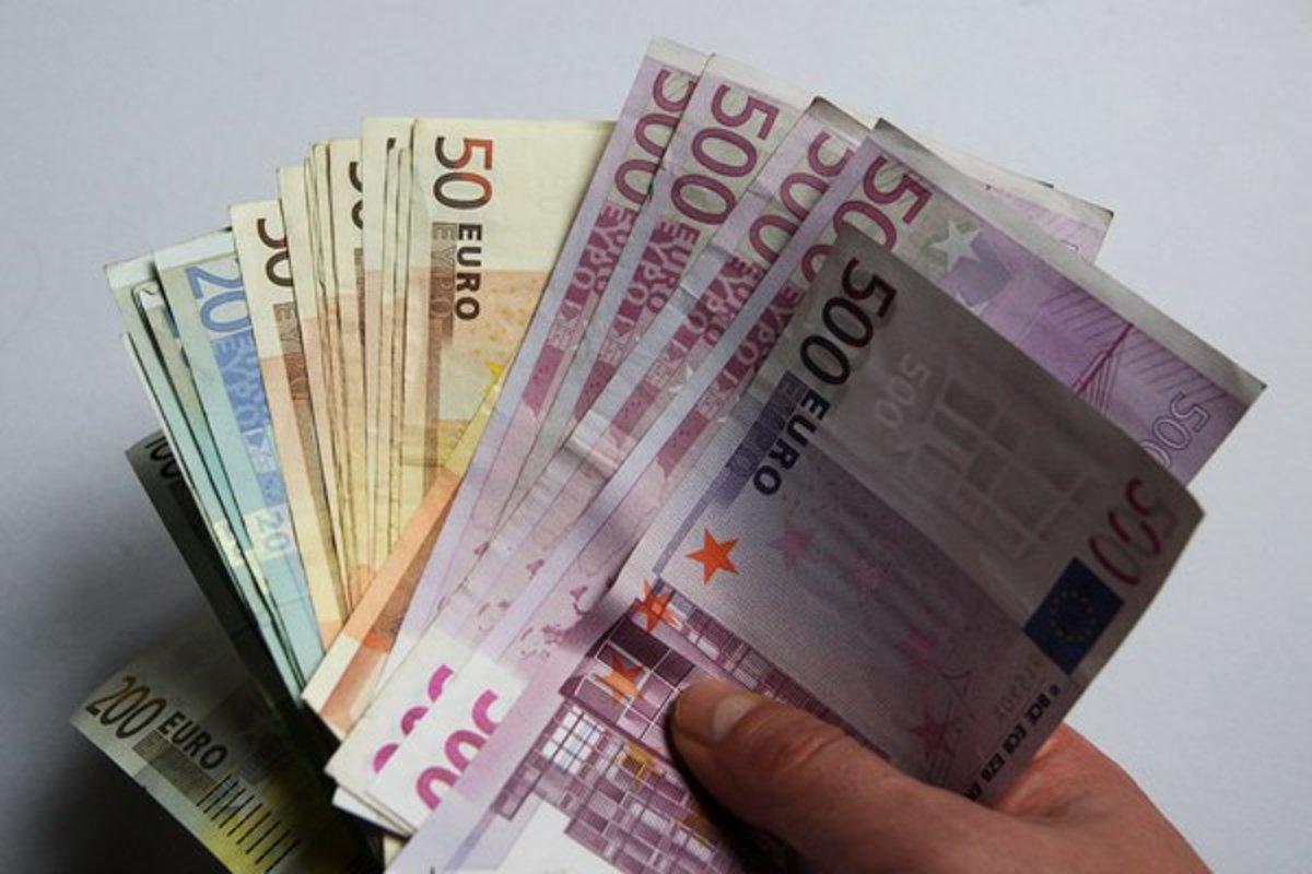 Prv papierov peniaze v eurpe