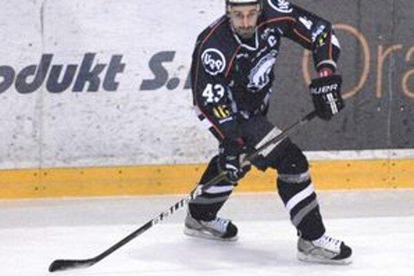 Peter Bartoš je síce najstarší, no tréningové dávky zvláda na výbornú.