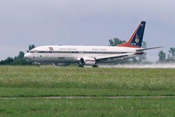 Lietadlo B737-448 thajskej kráľovskej letky. Jedným z pilotov cvičného letu z Mníchova do Košíc a späť bol thajský korunný princ.