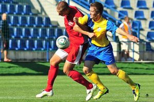 Futbalisti MFK Zemplín Michalovce vonku opäť nebodovali. V dramatickom stretnutí v Rimavskej Sobote prehrali 3:4.