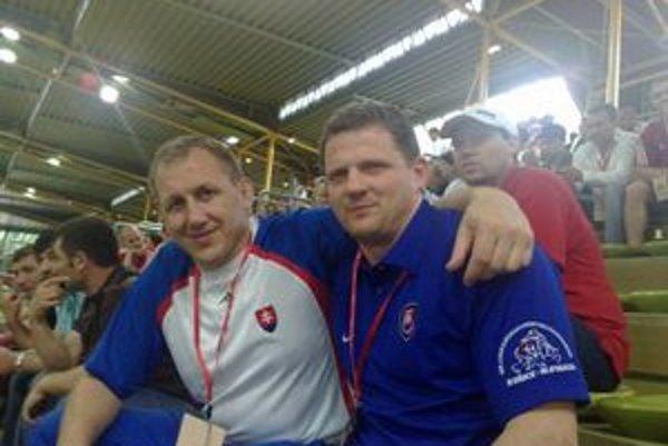 Prezident sníva o olympiáde. Ján Tokár (vpravo) so slovenskou zápasníckou legendou Jozefom Lohyňom.
