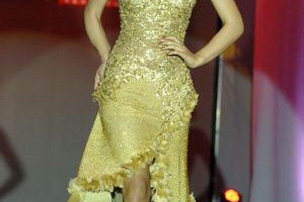 Model z tvorby českej módnej návrhárky Jany Berg.