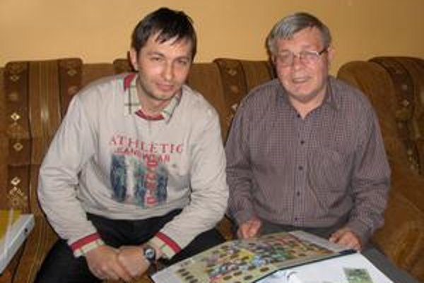 Numizmatici. Otca so synom spája aj spoločná zberateľská vášeň.