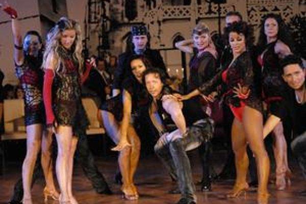 """Skvelá šou. Premiérová choreografia Plačkovcov a spol. """"Move, Dance, Be Born"""" patrila k vrcholom večera."""