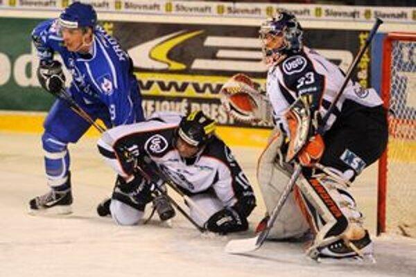 Vzájomný súboj Košíc a Popradu. Viacerí hokejoví experti sa pred štartom play-off zhodli, že by im pristalo v tejto sezóne aj spoločné východniarske finále extraligy.