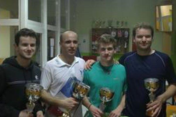 Najlepší na Delta Oliver Cupe. Milan Laporčák, Patrik Varga, Michal Kazáni, John Mc Leod (víťaz plate).