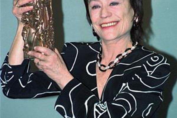 Herecká ikona. Annie Girardotová si zahrala vo vyše 100 filmových tituloch.