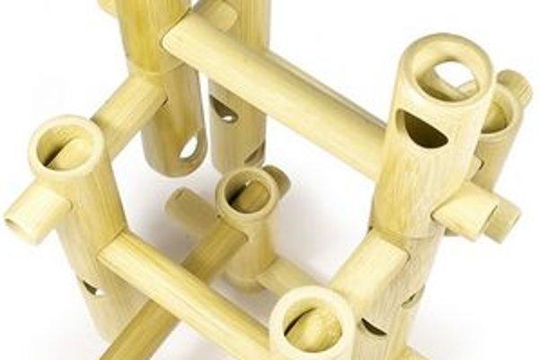 Stavebnica z bambusu. Bambusové hračky sa môžu stať vhodnou náhradou.