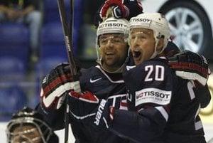 Americkí hokejisti sa radovali z víťazstva nad Nórskom, smrť Usámu bin Ládina komentovať nechceli. Sústredia sa na hokej.