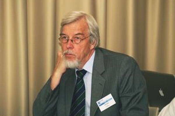 Profesor Rolf-Dieter Heuer. Prof. Heuer je od 1. januára 2009 generálnym riaditeľom Európskej organizácie pre jadrový výskum (CERN).