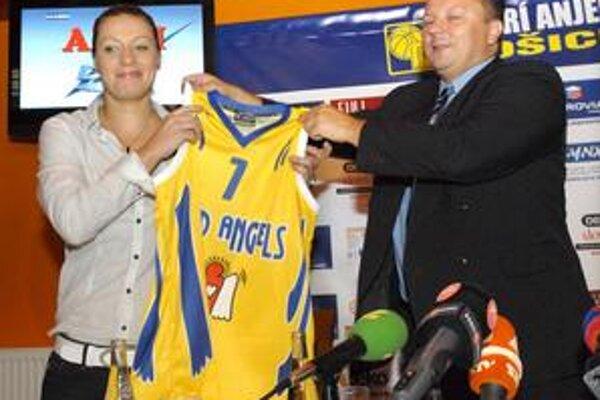 Zuzana Žirková už má aj dres Dobrých anjelov s číslom sedem.