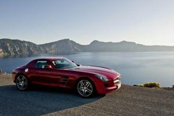 Mercedes-Benz SLS AMG. Čitatelia časopisu Auto Bild ho zvolili za najkrajšie auto Európy.