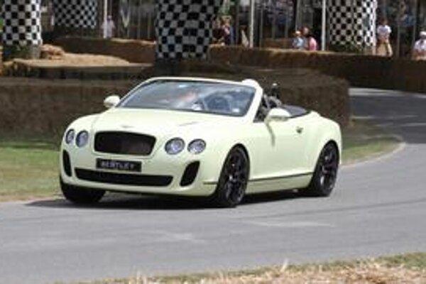 Kabriolet Bentley Continental Supersports. Prvú verejnú predvádzaciu jazdu absolvoval tento kabriolet na Festivale rýchlosti v Goodwoode.