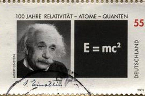 Príležitostná nemecká známka. Známka bola vydaná v roku 2005 pri príležitosti 100. výročia teórie relativity. Nechýba na nej ani najznámejšia rovnica na svete, ktorá vyjadruje priamu súvislosť medzi hmotou a energiou.