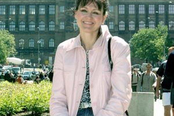 Spevácka hviezda 90-tych rokov Júlia Hečková.