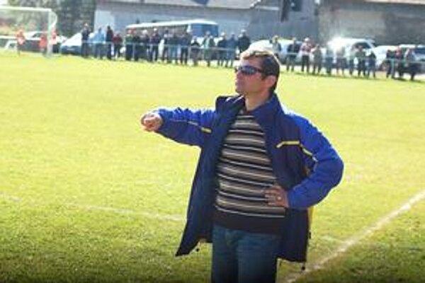 Úspešný tréner. Pod taktovkou Romana Bertu neprehrala Haniska trinásť stretnutí.