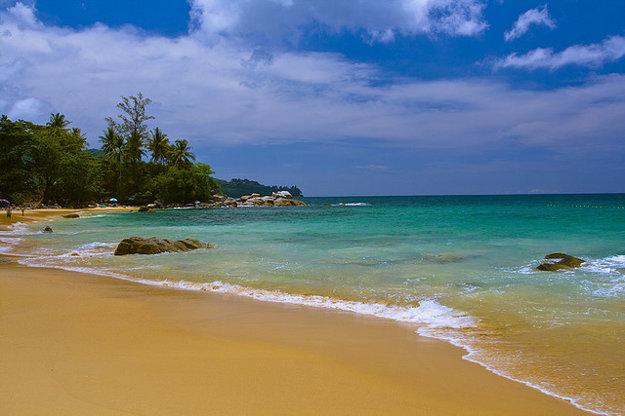 Pláže sú počas sezóny čisté a more pokojné.
