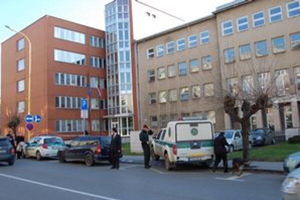 Okresný súd v Prešove prehľadáva polícia.