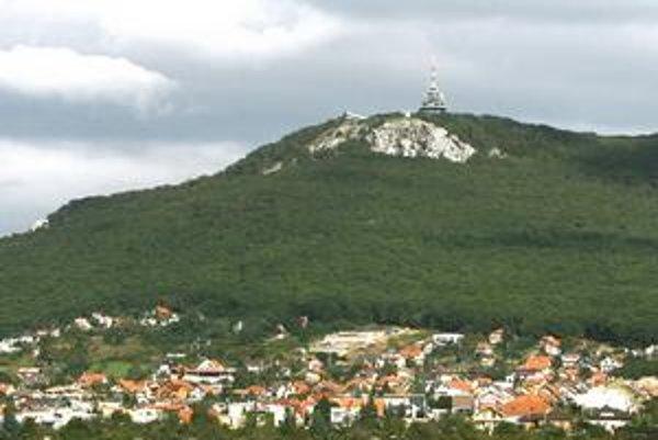 Nitra. Malebné mesto pod Zoborom.