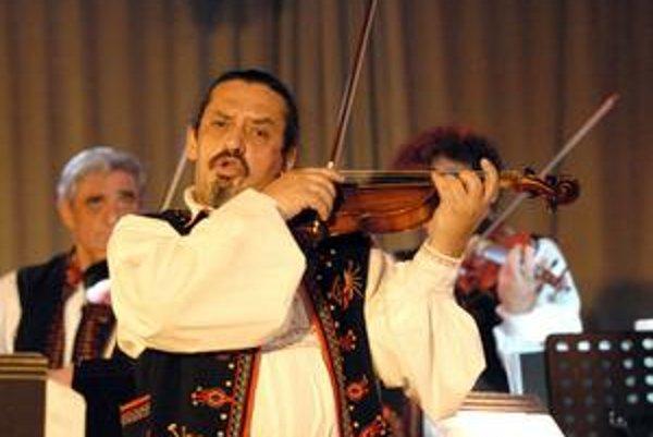 Diabolské husle. Skupina funguje v novom zložení, opäť vypredáva slovenské sály.