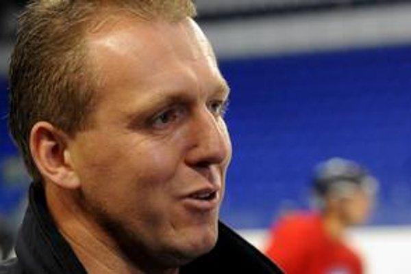Asistent trénera. Pavol Zůbek tvrdí, že pomôže len viackrát zopakovať dobrý výkon.
