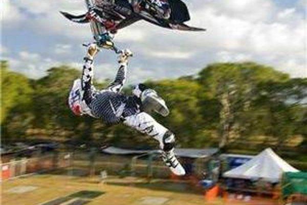 Rob Adelberg. S motorkou dokáže doslova divy.