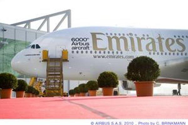 Jubilejné lietadlo spoločnosti Airbus. Šesťtisícim dodaným airbusom bolo lietadlo typu A380 pre leteckú spoločnosť Emirates.