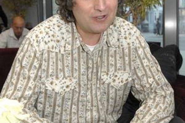 Petr Malásek. Spolupracuje s Luckou Bílou i Martou Kubišovou.