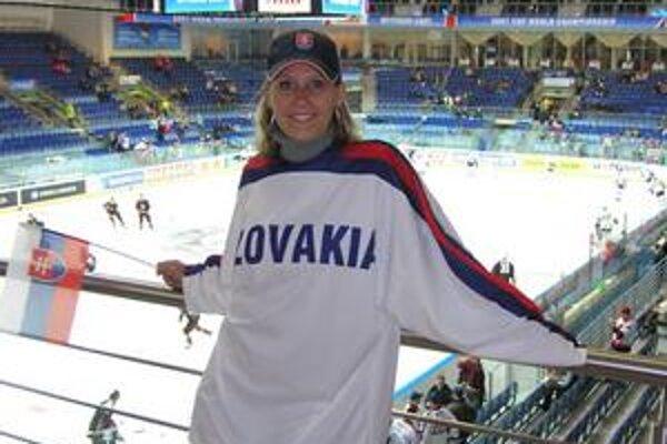 Fanúšička. Erike Barkolovej sa páči hokej aj niektorí hokejisti.