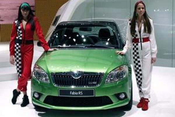 Športová Škoda Fabia RS. Na pohon športovej fabie slúži 1,4-litrový motor výkonu 132 kW.