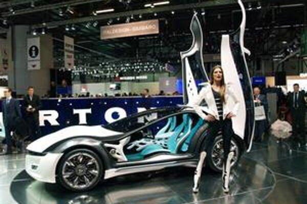 Štúdia Bertone Pandion. Pandion je postavený na podvozkovej plošine Maserati GT.