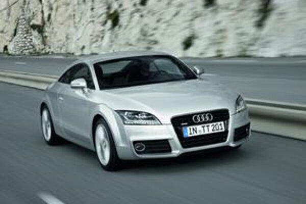 Modernizované Audi TT. Na karosérii boli vykonané len drobné úpravy.