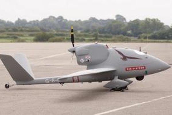 Bezpilotné lietadlo HERTI. Pozičné svetlá pre tieto lietadlá dodáva košická firma Strojkov Engineering.