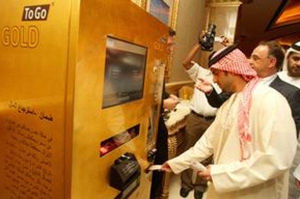 Automat na predaj zlata. Prvý automat na predaj zlata je v hoteli Emirates Palace v Abú Zabí.
