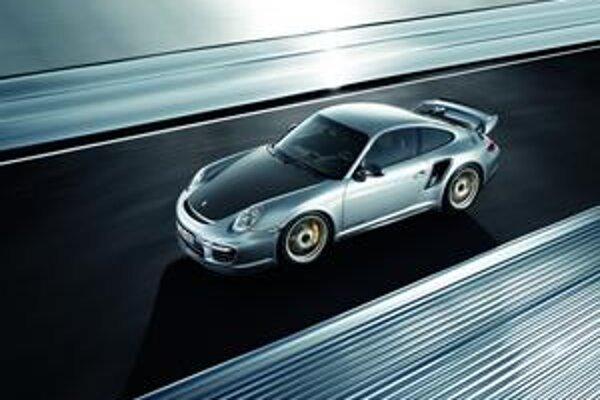 Porsche 911GT2 RS. Vozidlo bude mať premiéru na augustovom autosalóne v Moskve.