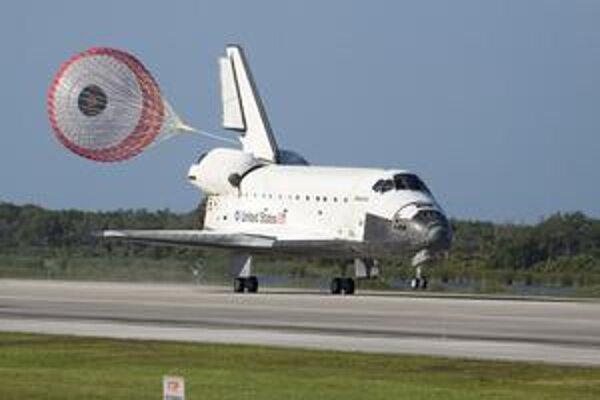Posledné pristátie raketoplánu Atlantis. Atlantis uskutočnil 32 letov do vesmíru, počas ktorých nalietal vyše 194 milióny kilometrov.