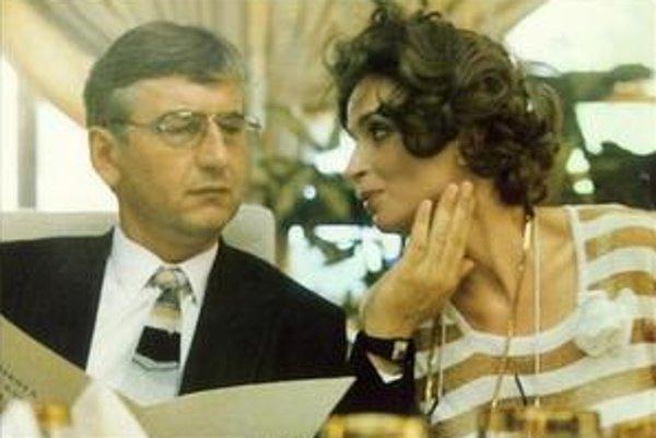 Donutil sa teší. Či mu v úlohe škaredej manželky bude sekundovať Ivana Chýlková, ešte nie je známe.
