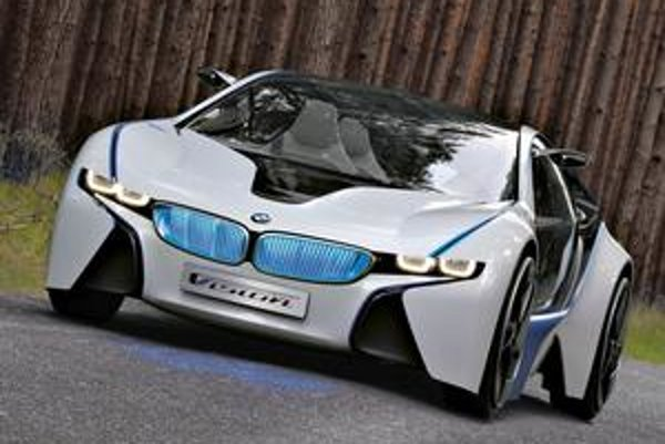 Štúdia BMW Vision Efficient Dynamics. Vozidlo má hybridný pohon, tvorený spaľovacím motorom a dvomi elektromotormi.