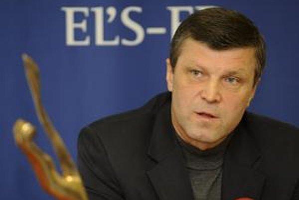 Europoslanec Šťastný. Slovenský hokej podľa neho smrdí od hlavy J. Širokého a preto by ho chcel vyčistiť...