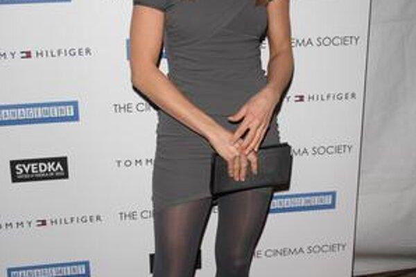 Jennifer Aniston. Keď sa rozíde s frajerom, mieri do chladničky. Ako to, že je štíhla ako prútik?