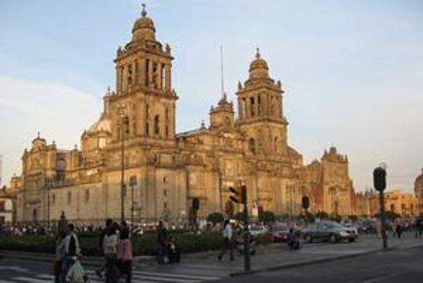 Metropolitná katedrála v Mexiku. Je to najstaršia a najväčšia katedrála v Latinskej Amerike.