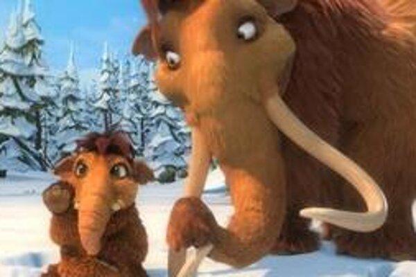"""Mamut Manny a jeho """"dieťa"""". Keď sa objavia dinosaury, Manny prestáva byť """"kráľom džungle""""."""