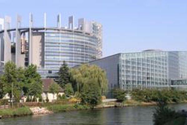 Budova Európskeho parlamentu. Hlavným sídlom parlamentu je francúzsky Štrasburg.