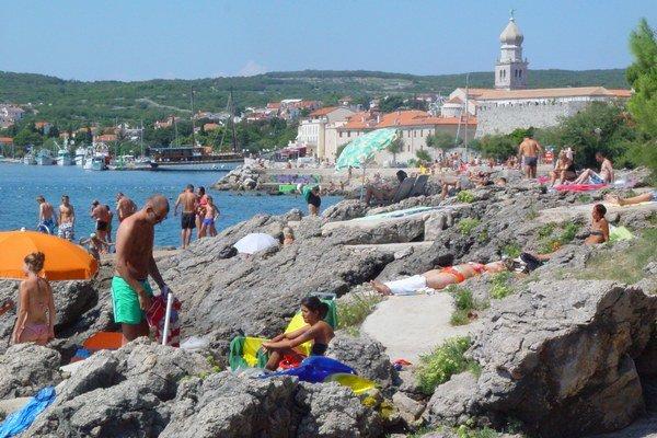 Chorvátsko. Turistom budú pomáhať slovenskí policajti.