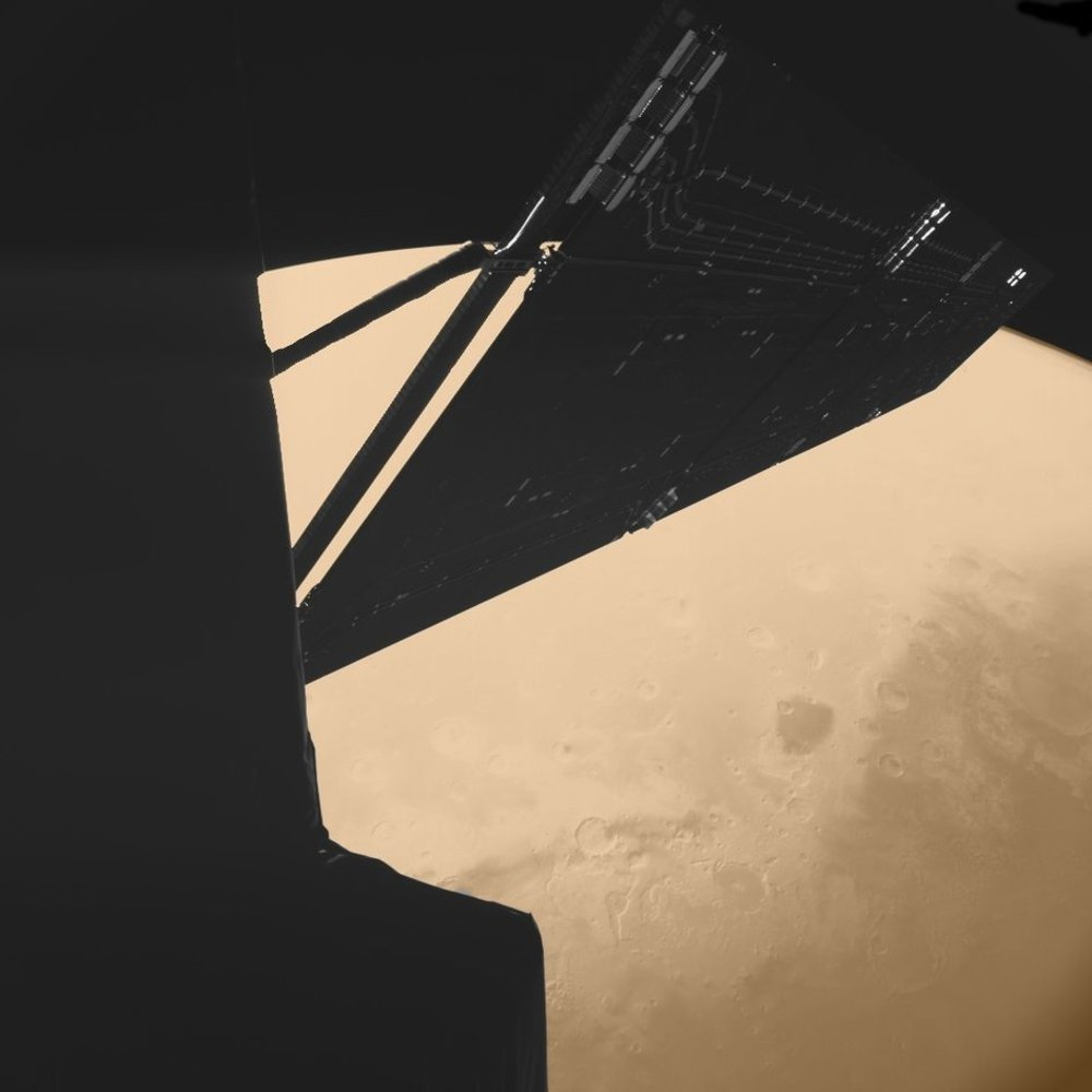 Sonda Rosetta nad povrchom Marsu.