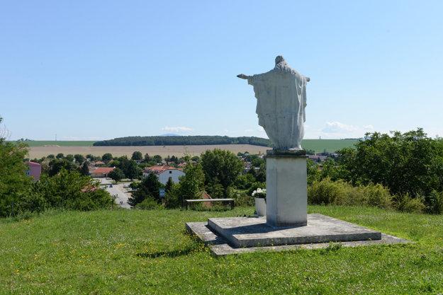 Atrakciou Nových Sadov je aj socha Ježiša Krista.