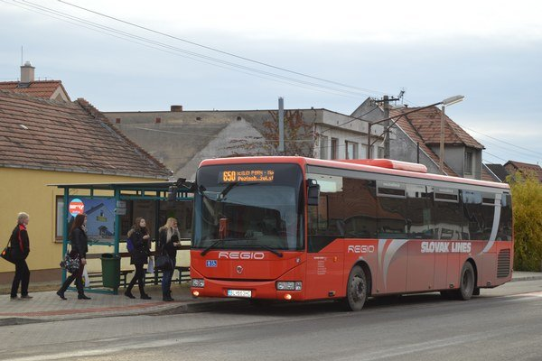 Pri ceste do Bratislavy postačí dôchodcom nad 70 rokov občiansky preukaz.