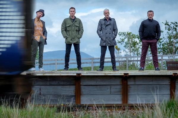 Spud, Renton, Sick Boy aBegbie. Teda Ewen Bremner, Ewan McGregor, Jonny Lee Miller aRobert Carlyle. Vo filme Trainspotting 2 budú zase spolu.