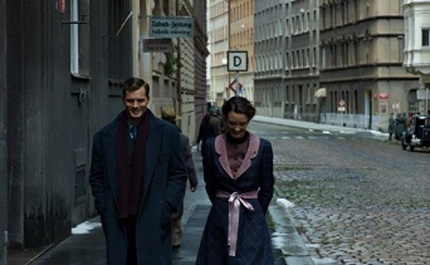 Úlohu Jana Kubiša prijal Jamie Dornan.